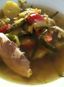Kurkuma-Forellen-Suppe